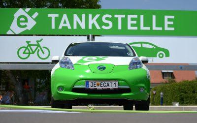 KATZBECK und die Gemeinde Rudersdorf eröffnen e-Tankstelle für Autos und Fahrräder