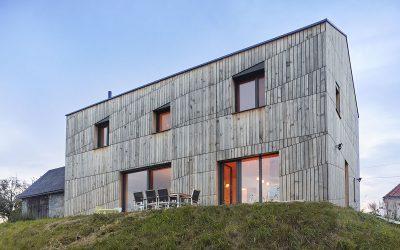 Preiswürdige Holz-Eleganz dank Katzbeck-Fenstern