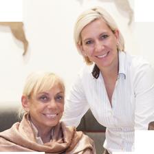 """Gusti Maier mit Tochter Christine Antrettert   """"Gambswirt"""" in Tamsweg"""